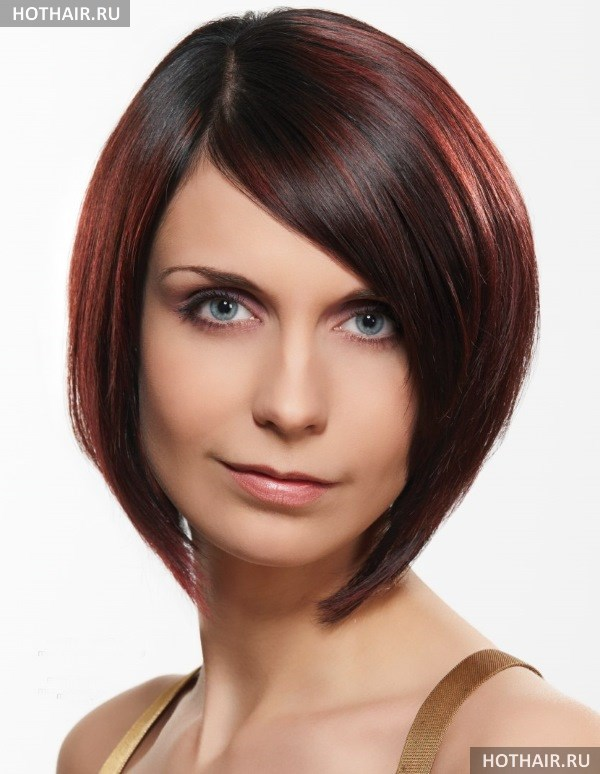 Какой цвет волос подойдет к бледной коже и голубым глазам?