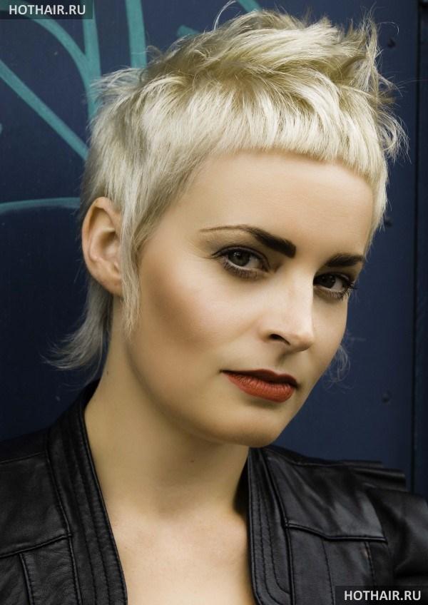 Женские креативные стрижки на короткие волосы
